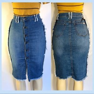 Dresses & Skirts - 💙PRETTY DISTRESSED  BLUE BUTTON UP JEAN SKIRT
